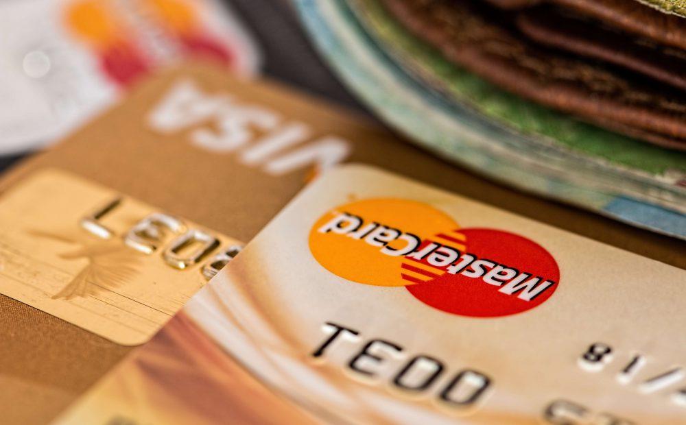 Czy karta kredytowa jest droga w utrzymaniu